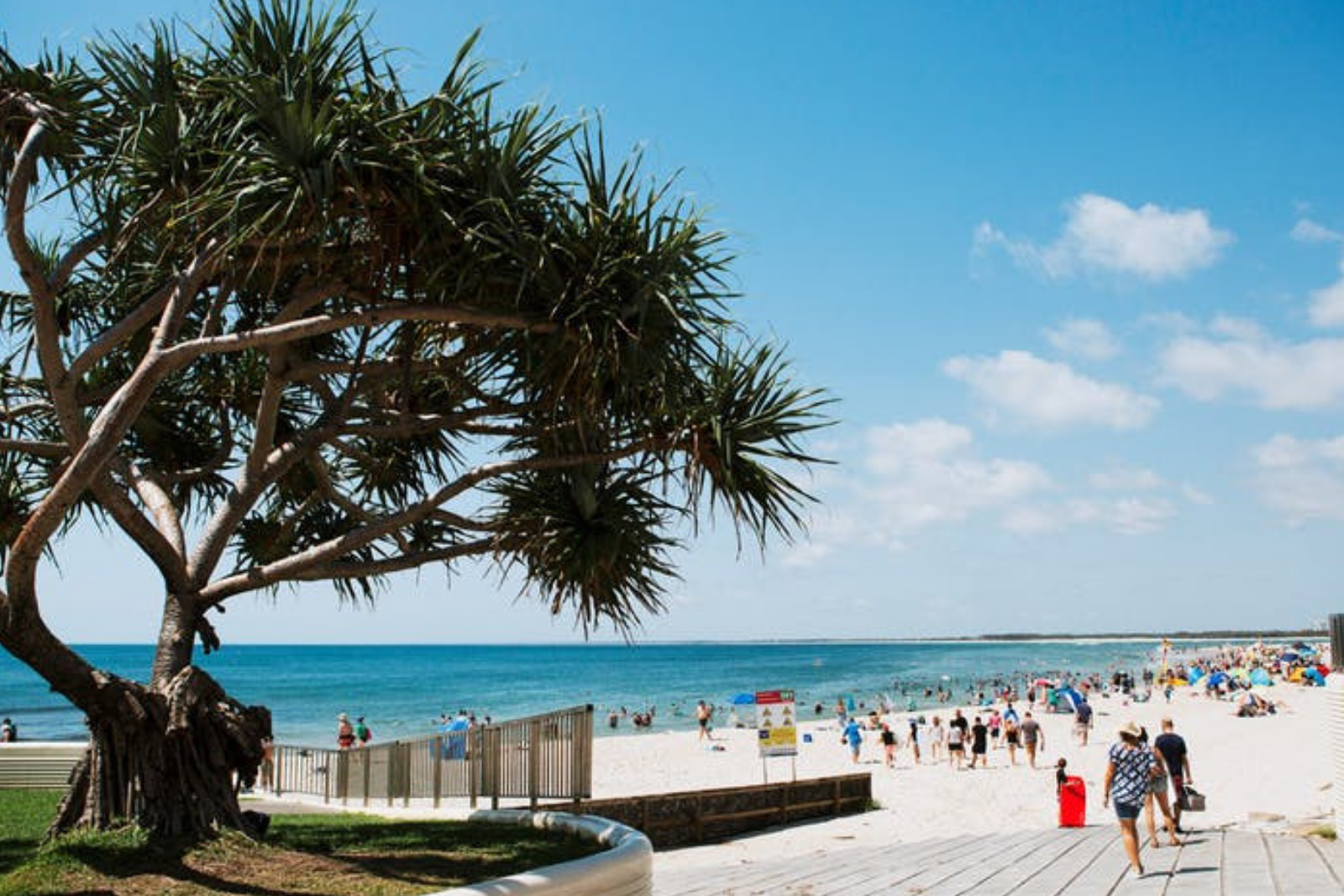 BUSH TO BEACH // CALOUNDRA